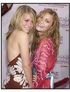 "Mary-Kate Olsen and Ashley Olsen at the ""Charlie's Angels: Full Throttle"" premiere"