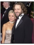 Russell Crowe and Danielle Spencer at the 2002 Academy Awards