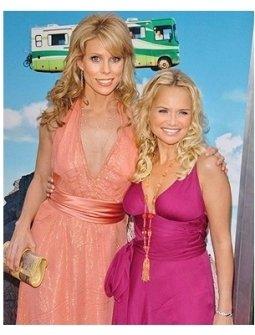 RV Premiere Photos:   Cheryl Hines and Kristin Chenoweth