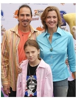 Brenda Strong and family