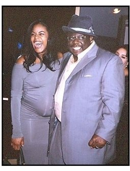 """Cedric the Entertainer with wife Lorna at the """"Intolerable Cruelty"""" premiere"""