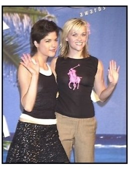 Teen Choice Awards 2002 Backstage: Presenter Selma Blair stands with Reese Witherspoon who received the Extraordinary Achievement Award