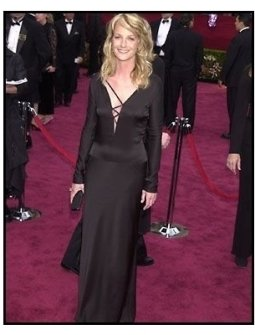 Academy Awards 2002 Fashion: Helen Hunt