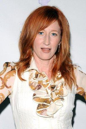 Vicki Lewis