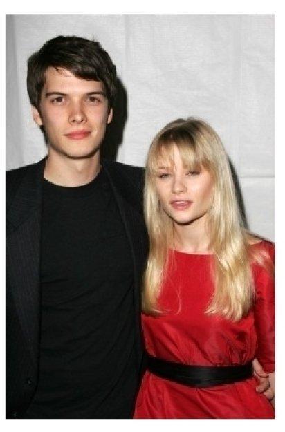 Josh Janowicz and Emilie de Ravin