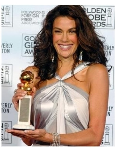 Teri Hatcher at the 62nd Annual Golden Globe Awards: Press Room